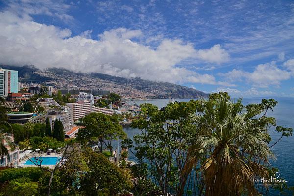 Blick vom Reid's Palace auf Funchal