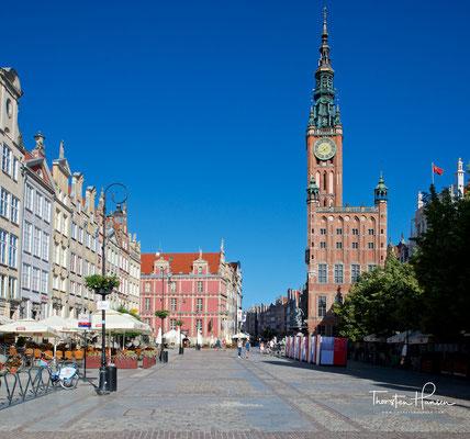 Das Rechtstädtische Rathaus (polnisch Ratusz Głównego Miasta) steht in Danzig im Stadtteil Rechtstadt. Dieser ist das eigentliche Stadtzentrum und älter als die Danziger Altstadt mit dem Altstädtischen Rathaus.