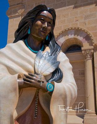 Anazasi Indianerin in Taos