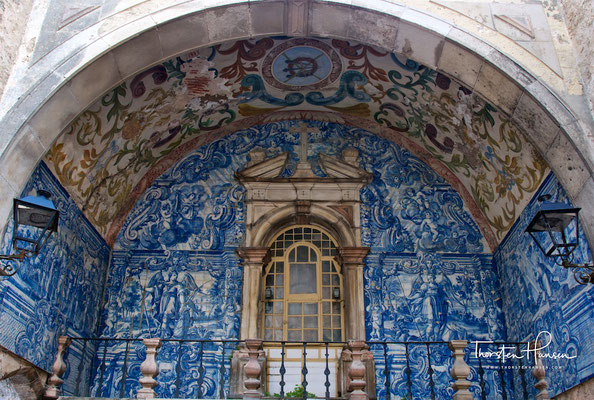 Azulejo als Hausschmuck in Óbidos