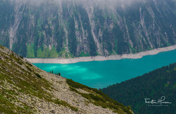 Beide sind aus-gesprochene alpinistische Klassiker und sowohl im Sommer als auch im Winter als Gletscher- bzw. Skitour begehrte Gipfel.