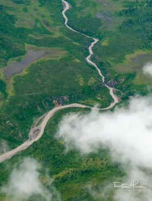 Der Berg gilt als einer der klimatisch extremen der Erde und wird durch schlechtes Wetter, starke Winde und besonders tiefe Temperaturen charakterisiert.