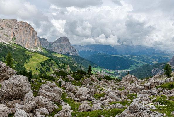 ...dem Bergerturm (2.861 m ü.d.M.) und dem Zwischenkofel (2.907 m ü.d.M.), die Pisciadùgruppe im nördlichen Teil der Sellagruppe.