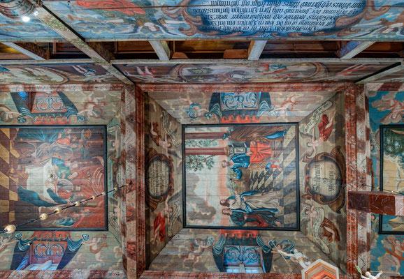 In den Jahren von 1741 bis 1743 erfolgte durch Johan Kinnerus und Johan Christian Peterson die noch heute erhaltene umfangreiche Ausmalung der Kirche.