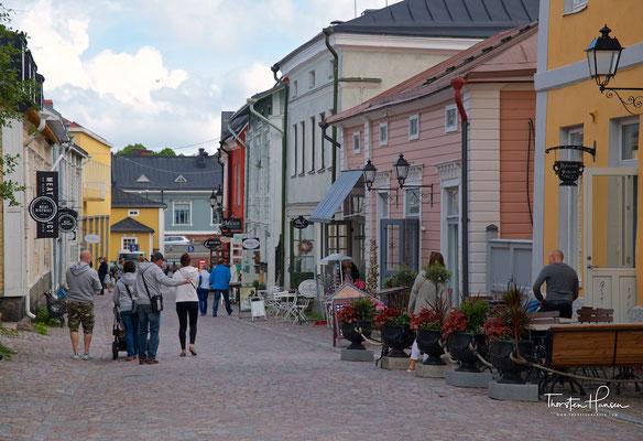 In Porvoo lebte seit 1837 der finnische Nationaldichter Johan Ludvig Runeberg. Zu dessen Gedächtnis verleiht die Stadt seit 1987, dem 150. Jahr seiner Ankunft in Porvoo, den Runeberg-Preis