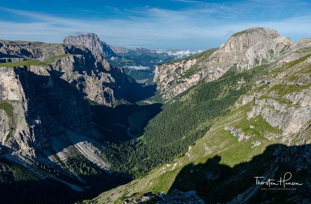 Der heutige Weg führt mich noch tiefer hinein, in die faszinierende Bergwelten der Dolomiten und in den Naturpark  Puez-Geisler