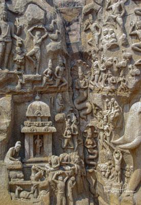 Das Relief wird meist als Darstellung der Herabkunft der Göttin Ganga (den personifizierten Fluss Ganges) gedeutet.