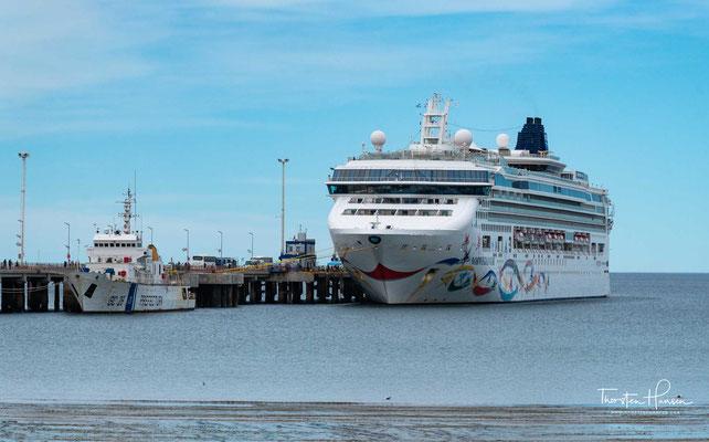 Die Norwegian Star im Hafen von Puerto Madryn