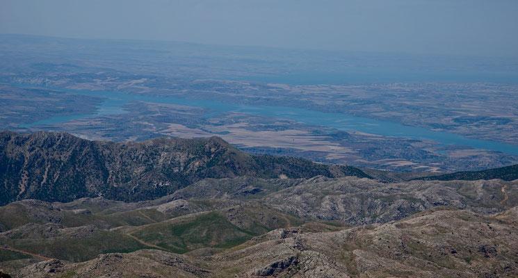 Blick vom Nemrut Dağı nach Südosten auf den Euphrat