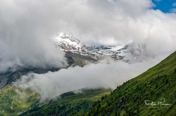 Blick zurück in das Pfitscher Tal - Val di Vizze. Es ist ein typisches Hochtal der Zentralalpen.