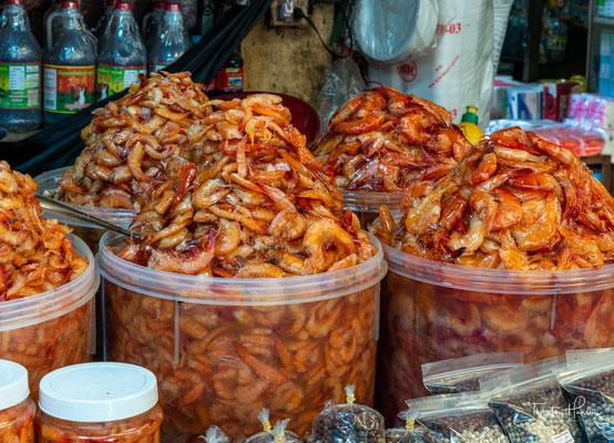 Getrocknete Krabben auf dem Fischmarkt in Kep