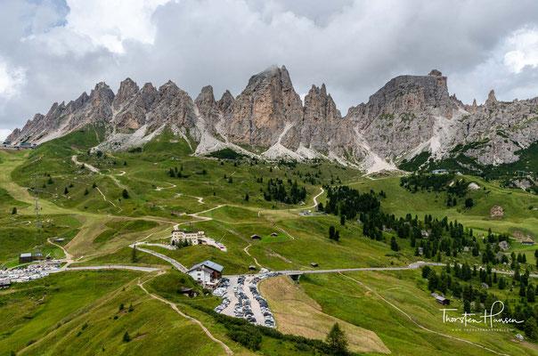 Die bis zu 2592 m hohen Cirspitzen sind eine Berggruppe nördlich des Grödner Joches