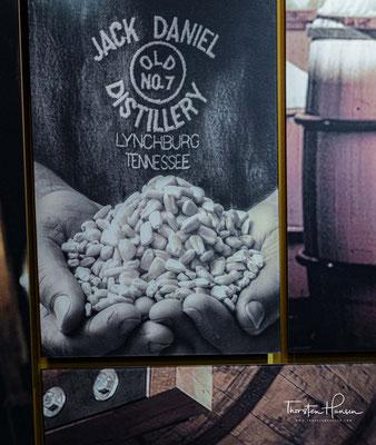 Die Destillerie befindet sich an ihrem Ursprungsort in Lynchburg, Tennessee. Dort ist seit den 1970er-Jahren auch ein Besucherzentrum mit angeschlossenem Seminar- und Tagungszentrum vorhanden.