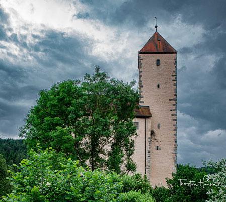 Die Burg Trausnitz wird als Jugendherberge genutzt. Eine umfassende Sanierung der Burganlage fand 1993 bis 1997 statt.
