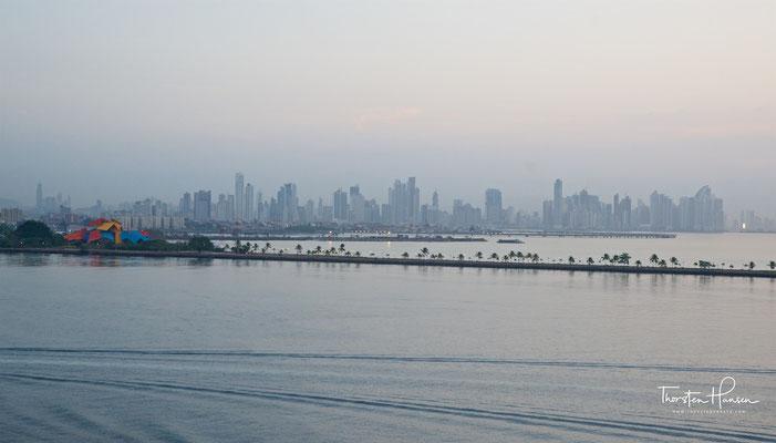 Skyline von Panama-Stadt im Morgengrauen