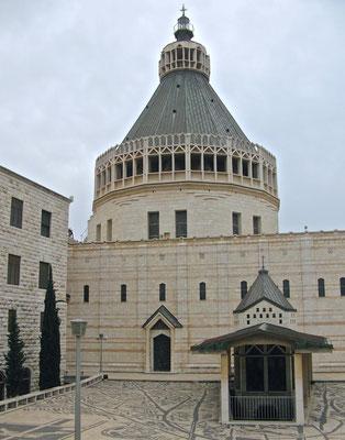 Verkündigungsbasilika in Nazareth. Sie steht über jener Höhle,  in der der Erzengel Gabriel der Jungfrau Maria erschien (Verkündigung des Herrn).