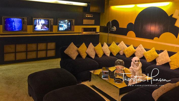 Fernsehzimmer in Graceland - Elvis Presley´s  Anwesen in Memphis, Tennessee