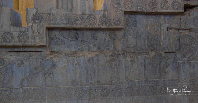 Relief mit Abbildungen der Gesandtschaft aus Nubien