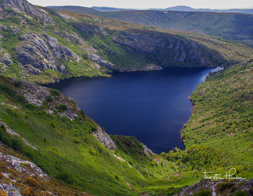 Der Park hat eine Größe von etwa 1612 km² und ist Teil des UNESCO-Welterbes Tasmanische Wildnis.