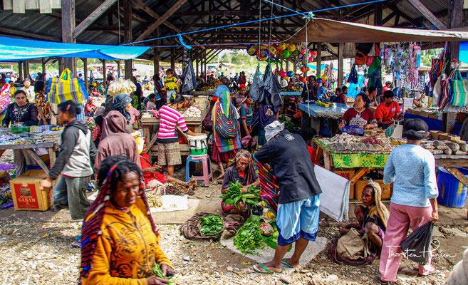 Jiwika liegt im Norden des Baliem-Tals und ist ca. 15 Kilometer von Wamena entfernt.