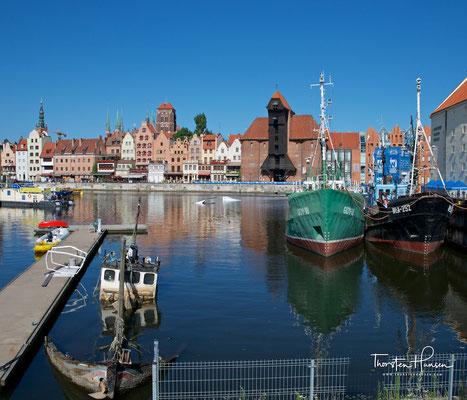 Das Krantor (polnisch Brama Żuraw – Kran(ich)tor oder kurz Żuraw – Kran) ist ein Stadttor in Danzig aus Backstein und Holz mit einer doppelten Kranfunktion. Es ist das bekannteste Wahrzeichen der Stadt.
