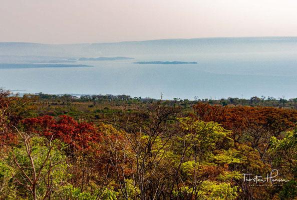 Er liegt in den Staaten Demokratische Republik Kongo, Tansania, Sambia und Burundi.