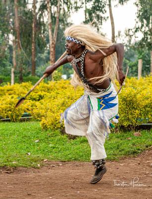 Es gibt in Ruanda eine Vielzahl von Tanzstilen, die alle älter sind als der Intore-Stil.