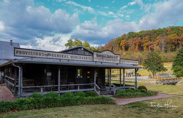 Die Destillerie gehört zum American Whiskey Trail und ist etwa 15 Meilen von der Jack-Daniel's-Destillerie entfernt.