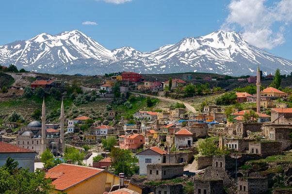 Der Berg Erciyes ist ein 3916m hoher ruhender Vulkan