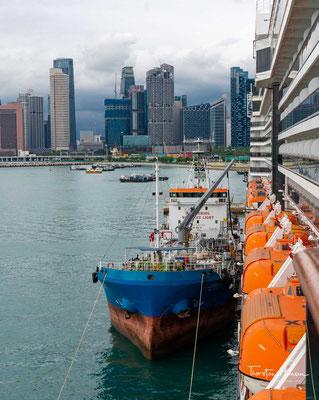 Die MS Westerdam im Hafen von Singapur