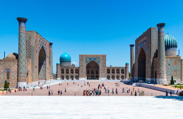 Der Registan-Platz ist einer der prächtigsten Plätze Mittelasiens und gilt auch als das Herz Samarkands.