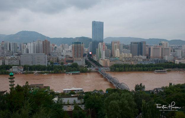 Blick auf den Gelben Fluss und Lanzhou