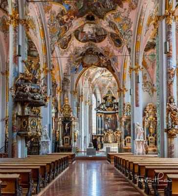 Im Zeitraum von 1420 bis 1440 baute der Haller Baumeister Hans Sewer das einschiffige Langhaus zu einer dreischiffigen Kirche um.