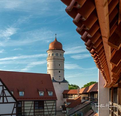 Das Deininger Tor wurde 1516 - 1517 durch einen Neubau in heutiger Form ersetzt.