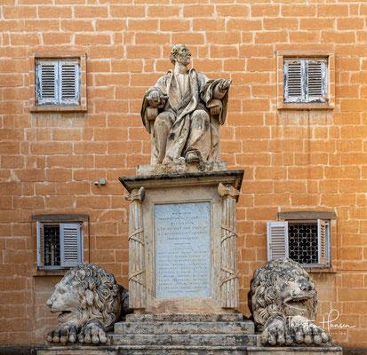 Die Upper Barrakka Gardens (maltesisch Il-Barrakka ta' Fuq) sind eine öffentliche Parkanlage in Valletta, der Hauptstadt von Malta.