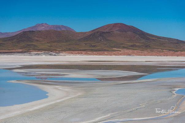 alar de Aguas Calientes III, in seinem südlichen Teil auch als Salar de Talar bezeichnet, oder auch bekannt als Salar de Purisunchi, ist ein Salzsumpf in der Atacamawüste in Nord-Chile.