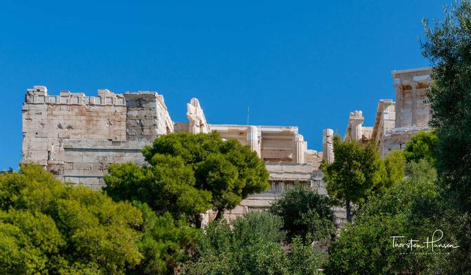 Den ältesten Teil der Stadt Athen ließ Perikles nach der Zerstörung durch die Perser unter Leitung des berühmten Bildhauers Phidias von den Architekten Iktinos und Kallikrates sowie Mnesikles neu bebauen.