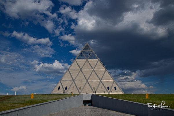 Pyramide des Friedens und der Eintracht in Astana