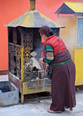 Gerstenmehl Opfergabe im Longwu-Kloster bzw. Rongwo Gompa