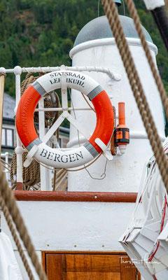 Durch Verchartern an verschiedene interessierte Organisationen und später durch eigenarrangierte Fahrten trägt sich das Schiff.