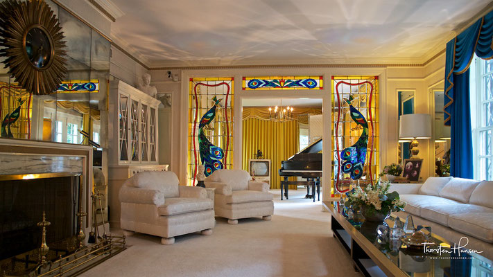 Wohnzimmer in Graceland - Elvis Presley´s  Anwesen in Memphis, Tennessee
