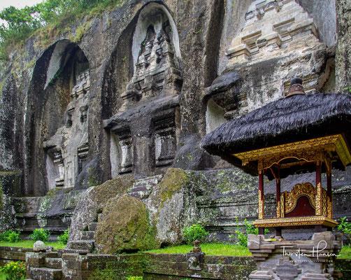 Die Königsgräber von Gunung Kawi wurden erst 1920 entdeckt. Sie befinden sich im fruchtbaren, von Reisterrassen durchzogenen Tal des Pakerisan-Flusses.