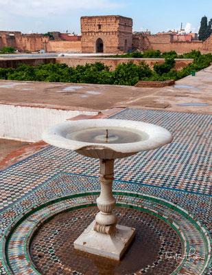 """Der el-Badi-Palast (arabisch قصر البديع, DMG Qaṣr al-badīʿ = """"der Unvergleichliche""""; französisch Palais El-Badi) gehört zu den meistbesuchten Bauten der ehemaligen marokkanischen Königsstadt Marrakesch."""