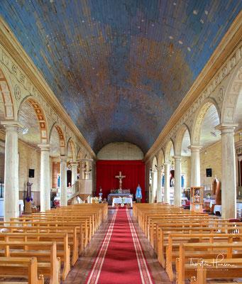 Hauptattraktion der Stadt ist die Kirche San Carlos de Borromeo, eine der 16 Holzkirchen Chiloés, die von der UNESCO im November 2000 zum Weltkulturerbe erklärt wurden.