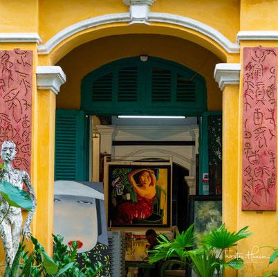 Sie wurde zwar wieder aufgebaut, aber 1888 erklärten die französische Kolonialmacht Đà Nẵng zur Hauptstadt von Annam, und auch die Eisenbahn wurde 1930 an Hội An vorbeigebaut.