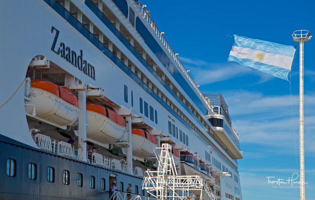 Die M.S. Zaandam im Hafen von Punta Arenas