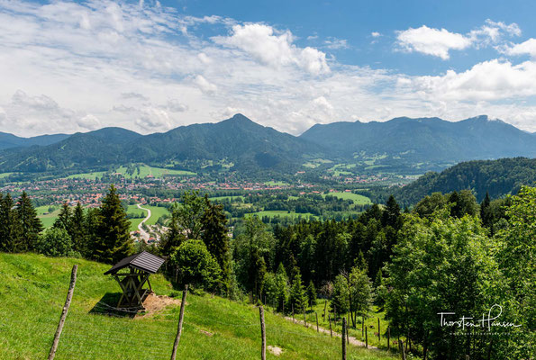 Blick von der Reiser Alm (950m) über Lengries und dem Isarwinkel