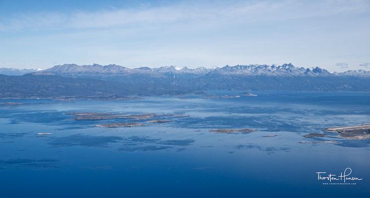 Symphonie in Blau und Chile am Horizont: Flug über dem Beagle Kanal