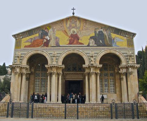 Die Kirche aller Nationen ist ein römisch-katholischer Sakralbau im Garten Getsemani am Fuße des Ölbergs in Jerusalem