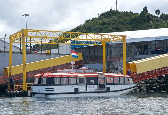 Tenderboot im Hafen von Puerto Montt